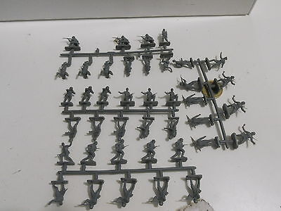 Italeri? Revell? Airfix? German Infantry Wwii Scala 1/72 040000
