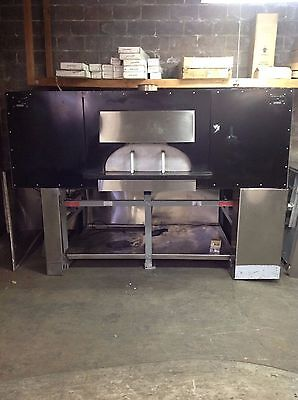 Earthstone Woodfire Oven Pizza Oven NAT GAS M:130-DUE-PAG 2 years old