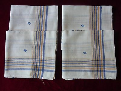 LOT05 4 ANCIENS MOUCHOIRS COTON monogr R / 4 Old cotto embroidered handkerchiefs