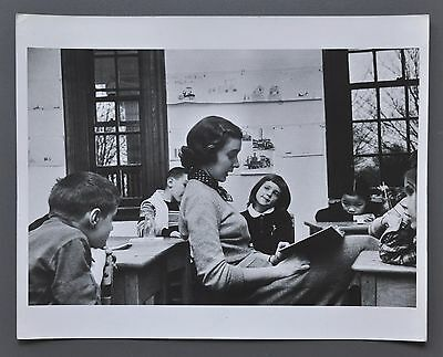 Ruth Orkin Vintage Silver Gelatin Photo Print 25x20 U.S.A. Glamour Family of Man
