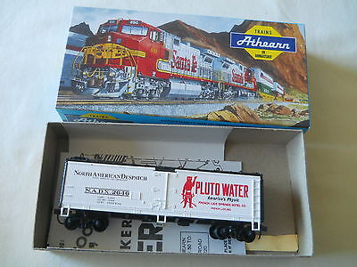 Athearn HO 40' Reefer Wood Pluto Water