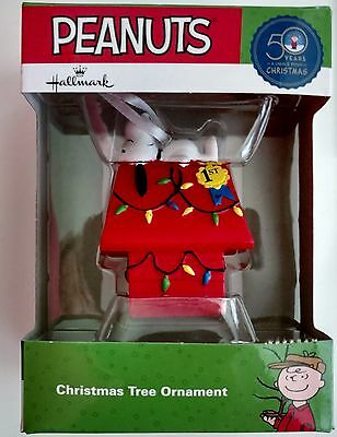 Hallmark Snoopy Christmas Tree Ornament Peanuts Charlie Brown Doghouse w/ Lights