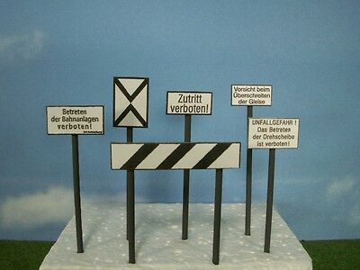 W56 Gauge 1 Set Type 3 Signs Railway Signs