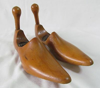 Lovely Vintage Wooden Shoe Trees Size 3 1/2 - 4 ~ Quality Items