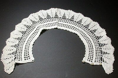 Vintage Ladies Hand Crocheted Collar with Pearl Buttons ~ White