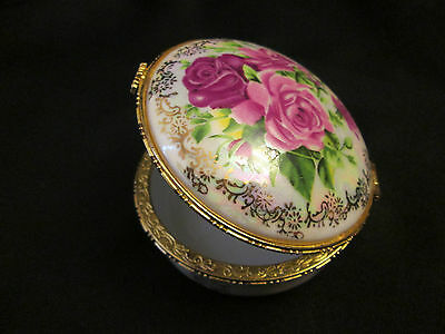 Beautiful Shabby Chic Vtg Roses and Opalescent Porcelain TRINKET BOX