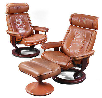 70s PAIR OF VINTAGE EKORNES LEATHER STRESSLESS SWIVEL RECLINE CHAIRS & STOOL