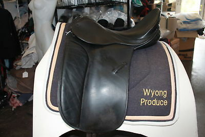 Bates Signature Dressage Saddle. 17 Inch