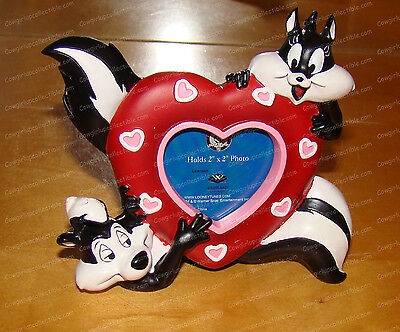 Pepe Le Pew & Penelope Frame (Looney Tunes by Westland, 13957) 2x2