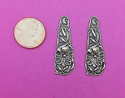 Lovely Antique Brass Detailed Floral Stamping - 2 Pcs