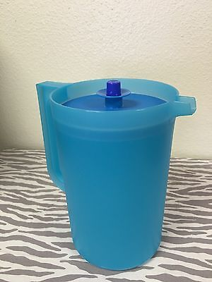 Tupperware Classic 2qt Pitcher Blue New