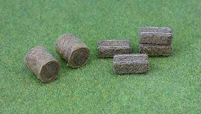 JTT Scenery Products O Gauge Pack of 21 Hay Bales (5 Round & 16 Rectangular) # 9