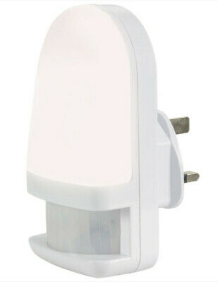 Niteglow PlugIn PIR Motion Sensor Hallway Plug Socket LED Night Light