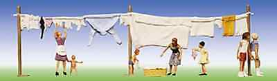 Faller 151014 Wash Day (Washing Line & People) HO Gauge Figures Set