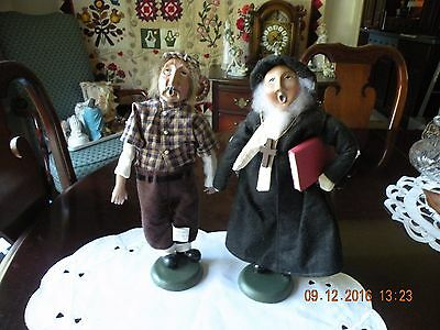 Byers Choice Williamsburg Christmas Caroler Lumberjack & Minister