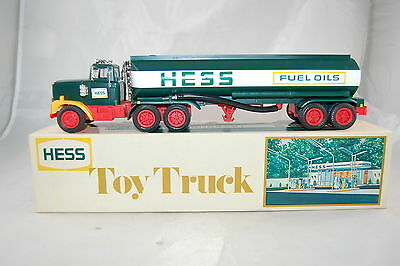 Hess 1977 Tanker Truck with Box