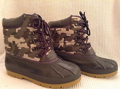 Childrens M&S Lace Up Boots Kids Size 5 Khaki Army Print Wateproof Insulated Fur
