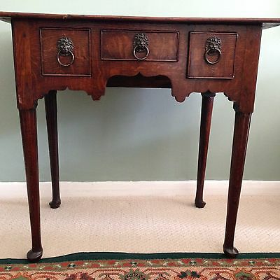 18th century oak side table with tapered legs and three drawers - welsh?