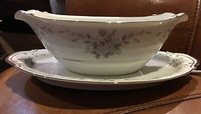 """EMPRESS CHINA  Japan """"Rhapsody"""" Pattern GRAVY BOAT With Attached Under plate"""