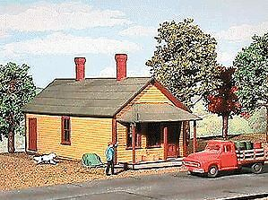 American Model Builders 81 S One-Story Section House