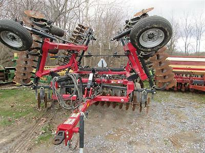 Case IH 330 Turbo 25' True Tandem Turbo Till Disk. Hydraulic Fold. GOOD SHAPE!!