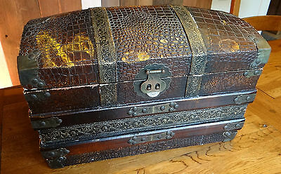 OLD DOMED STORAGE TRUNK/ CHEST - Great Vintage aged looking piece! Nice size.