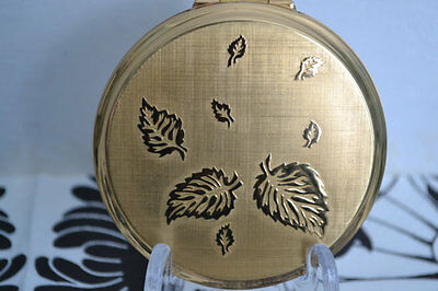 Leaf stars design GOLD tone BRASS STRATTON made in england powder compact 1950's