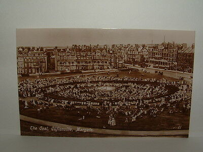 Kent - Margate - The Oval, Cliftonville - 11 - Postcard