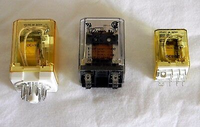Lot Of 3 Relays - Idec Rr3Pa-U / Dayton 5X838 / Idec Rh3B-U Relay