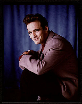 LUKE PERRY Handsome 8x10 Formal Publicity Photo BEVERLY HILLS 90210
