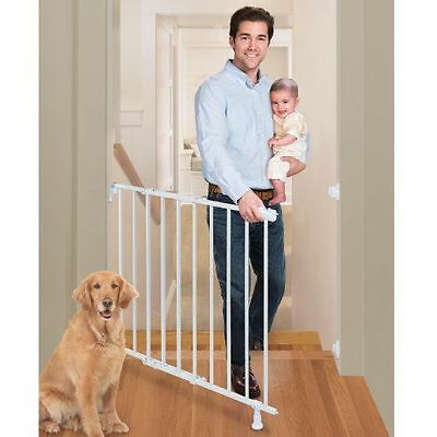 Summer Infant and Pet Top of Stairs Simple to Secure Metal Gate, White