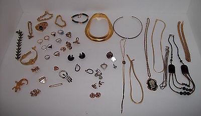 Lot of Mixed Vintage Costume Jewelry: Bracelets Necklaces Rings Pins Brooches