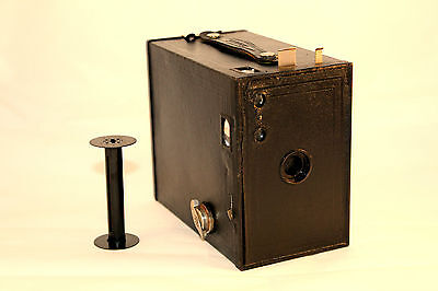 C1924-33 No. 2A Brownie Camera Model C Comes in VGC