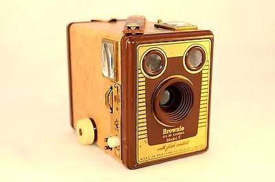 C1955 – 1957 Kodak Brownie Six-20 Camera Model F (ornamental use only!)