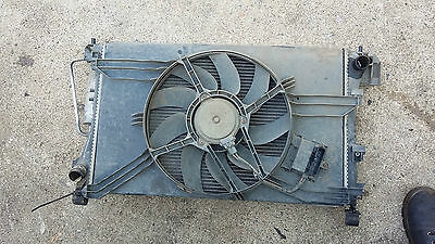 VAUXHALL VECTRA C 2002 1.8 Petrol- WATER COOLING RADIATOR & FAN PACK 09202805