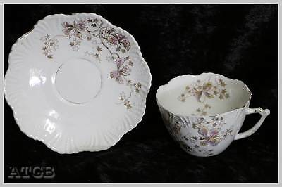 Vintage delicate floral 1930s cup and saucer duo PRETTY. In good condition