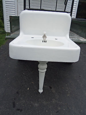 Vintage Cast Iron Porcelian Wall/pedestal Sink