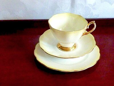 Magnificent Collectable Vintage Bone China Trio Royal Albert England