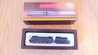 E267: Marklin 'Z' Gauge 8886 Streamlined Express Train & Tender (Exc & Boxed)