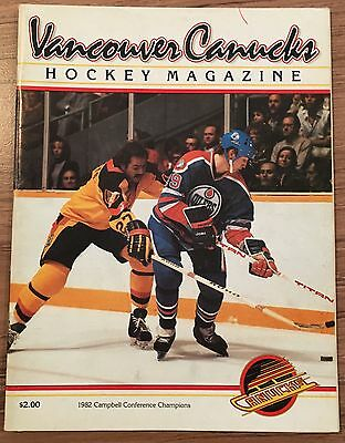 NHL Program VANCOUVER CANUCKS vs EDMONTON OILERS-Oct 9/82-GRETZKY 200th NHL Goal