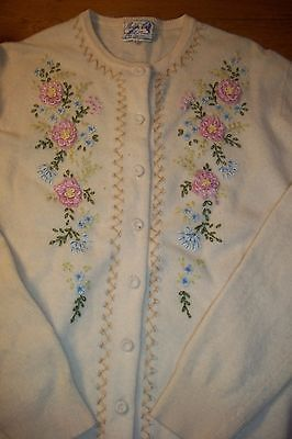 Barbara Lee Vintage 1950s Womens Small Cashmere Cardigan Sweater Embroidered