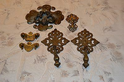 6 Vintage ~ Brass / metal Dresser drawer / Furniture / Cabinet ~ Pulls / knobs