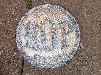 r o p , russian oil products garage sign