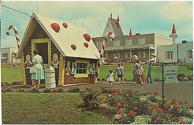Castle Gift Shop at Dutch Wonderland on Lincoln Highway in Lancaster PA Postcard