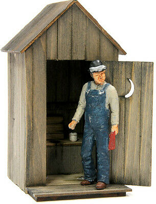 F/G scale  BANTA MODEL WORKS #8021 Peaked Roof Outhouse