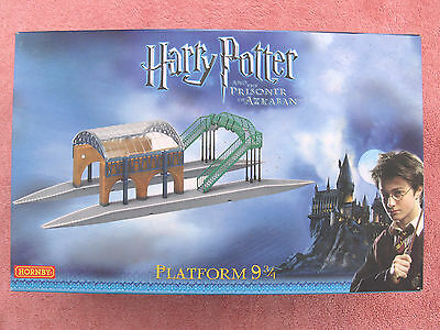 Hornby R8204: Harry Potter - Platform 9 3/4 Kings Cross Station - Mint - Boxed
