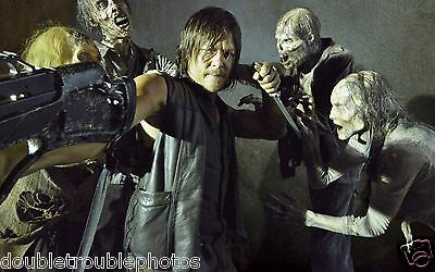 """The Walking Dead 8.5 X 11"""" Photo Daryl Surrounded By Zombies"""