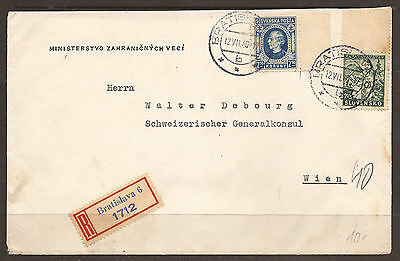 Slovakia / Austria. Ww2. 1940. Registered Cover To Wien. Arrival On Reverse.