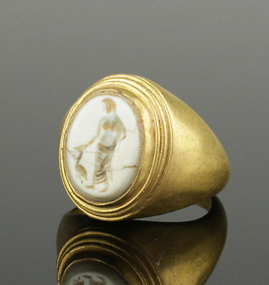 Beautiful Large Ancient Roman Gold Intaglio  Ring With Goddess   2Nd Century Ad