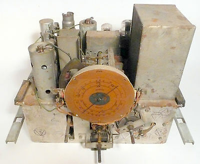 vintage * RCA VICTOR  140 TOMBSTONE RADIO part: UNTESTED CHASSIS w/ 8 TUBES